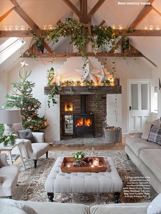 10 Beautiful Living Rooms for Holiday Entertaining