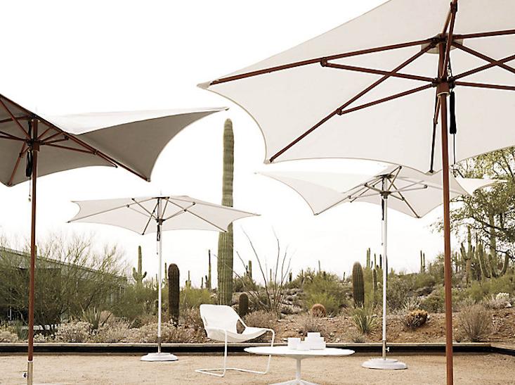 10 Easy Pieces: Outdoor Umbrellas – Remodelista