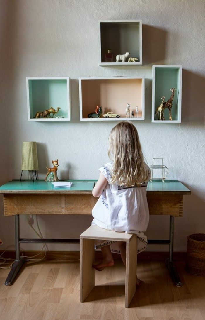Ein höhenverstellbarer Schreibtisch im Kinderzimmer könnte sehr praktisch sein – Dekoration Diy
