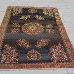 Schwarze Teppiche, türkische und orientalische Teppiche, antike türkische Teppiche zu verkauf...