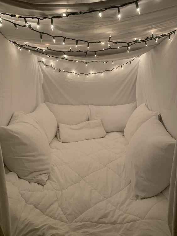 35 Fantastic Led String Lights Decor Girls Bedroom Latest Fashion Trends for Women sumcoco.com