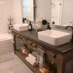 35 idées de vanités de salle de bains rustiques pour stimuler votre prochaine rénovation - bingefashion.com/fr