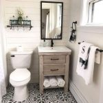 40 Amazing Farmhouse Bathroom Decor for Small Space -  Breathtaking 40 Amazing F...