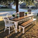 Adorable 44 Beautiful Farmhouse Kitchen Table Design Ideas #farmhousekitchen