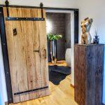 Altholz Schiebetüren + Beton Waschbecken auf Stahl Untergestell | B&K Design