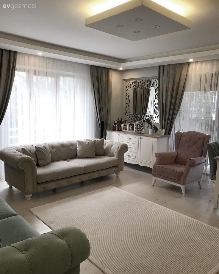 Balanced colors, choices that add elegance to simplicity. Ebral lady's house. – Living Room
