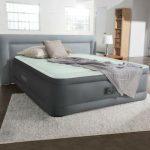 Bei Freizeit-Store | Luxus Luftbett PremAire Queen, 230V Pumpe Gästebett