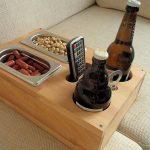 Bild könnte enthalten: Tabelle und Interieur – #Bild #Fair #Include #Internet … - Holz DIY Ideen