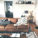 Braun Leder Sofa Wohnzimmer #homeaccents #homedecoronlinestores #apartmentdecora...