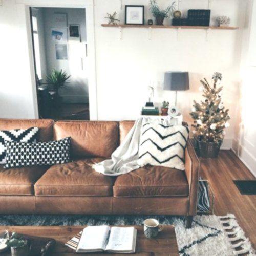 Braun Leder Sofa Wohnzimmer #homeaccents #homedecoronlinestores #apartmentdecora…