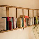 Bücherregal – Regal aus alter Leiter - https://bingefashion.com/haus