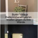 Bunte Vintage Badezimmerarmaturen knallen gegen dunkle Wände.,  #Badezimmerarma...