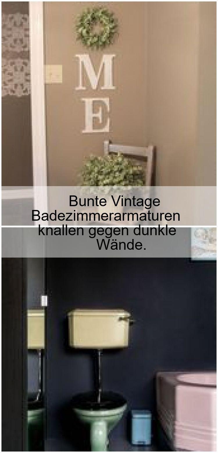 Bunte Vintage Badezimmerarmaturen knallen gegen dunkle Wände.,  #Badezimmerarma…