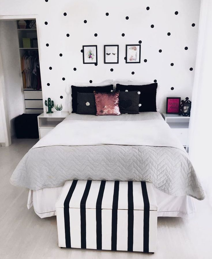 Cute Black and White Themed Teen Room with Clean Design – Cute Teenage Girl Bedr… – Home Decor Art