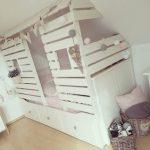 DIY Kinderbett in Hausoptik,  #DIY #Hausoptik #Kinderbett
