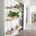 DIY hängande bokhyllor – Trä & rep – Genève Vanderzeil #bucherregale #ge … - https://pickndecor.com/hem