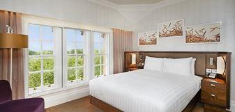 Deluxe Zimmer mit Kingsize-Bett und Aussicht