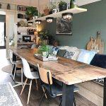 Deze kamer vind ik wel te druk, maar er zitten mooie elementen in (stoelen, tafe...