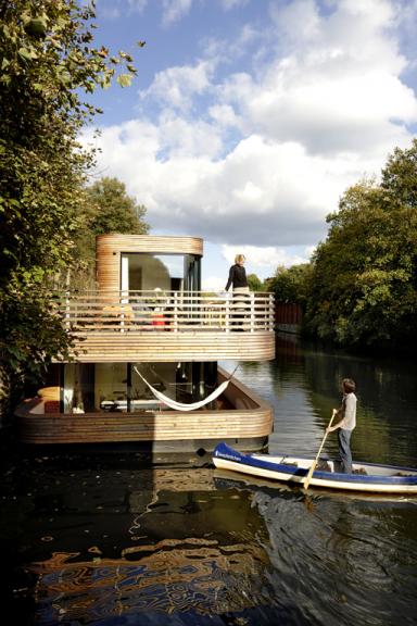 Ein Hausboot: Traum aus Holz – Bild 3