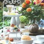 Etagere auf Frühstückstisch, gedeckter Tisch zum Frühstück  -  #auf #etagere...