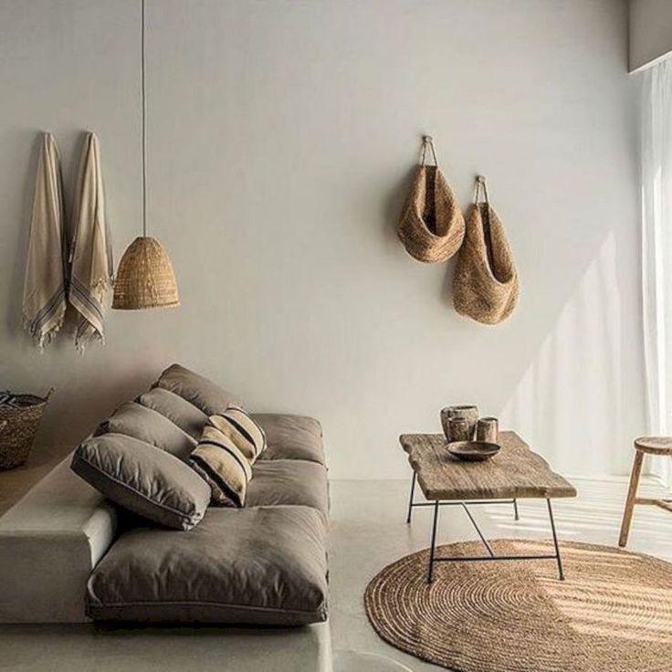 Französische Inneneinrichtung Rötliches französisches Möbel-Wohnzimmer #furnitureonline #Home…