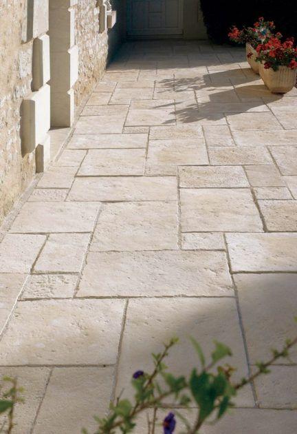 Gartengestaltung mit Terrassenplatten, Mauern und Pfeilern – Planungswelten