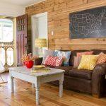 Hübsches braunes Wohnzimmer