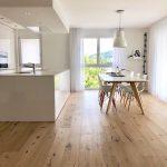 """Inspiration & Interiordesign on Instagram: """"Ein wunderschön schlicht & modernes Ambiente 😍  Eine stilvoll dezente Küche und eine sehr designorientierter Esstisch werden von einem…"""""""