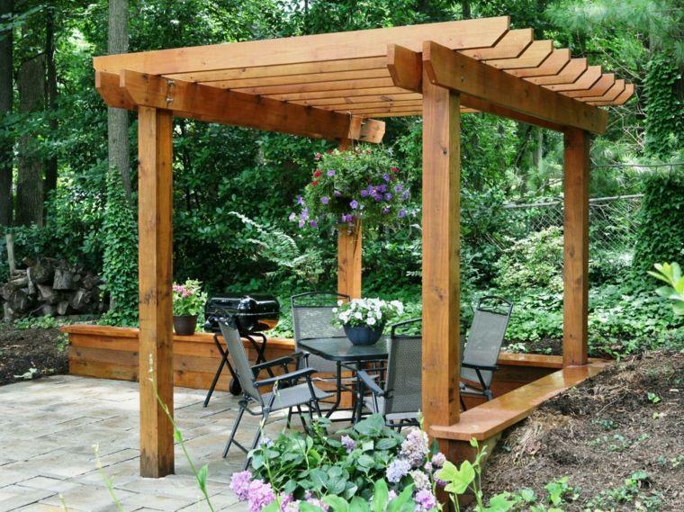 Instalar postes para una pérgola de jardín – sencillos pasos –