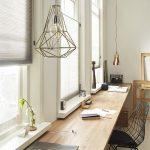 Je maakt het extra gezellig in huis met de juiste raamdecoratie. Maar welke stij...