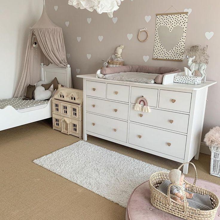 Kindergarten Vintage alte rosa Einrichtung Idee Inspo Mädchen Baby Bett Antik …