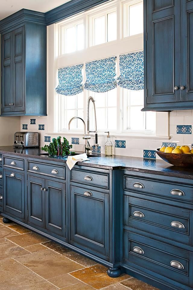 Kitchen Makeover: Small-Space Blue Kitchen Makeover – Painting Ideas