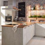 Küche Kräuterliebe in Weißbeton