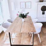 Kunststoff-Armlehnstuhl Claire mit Holzbeinen - https://pickndecor.com/dekor