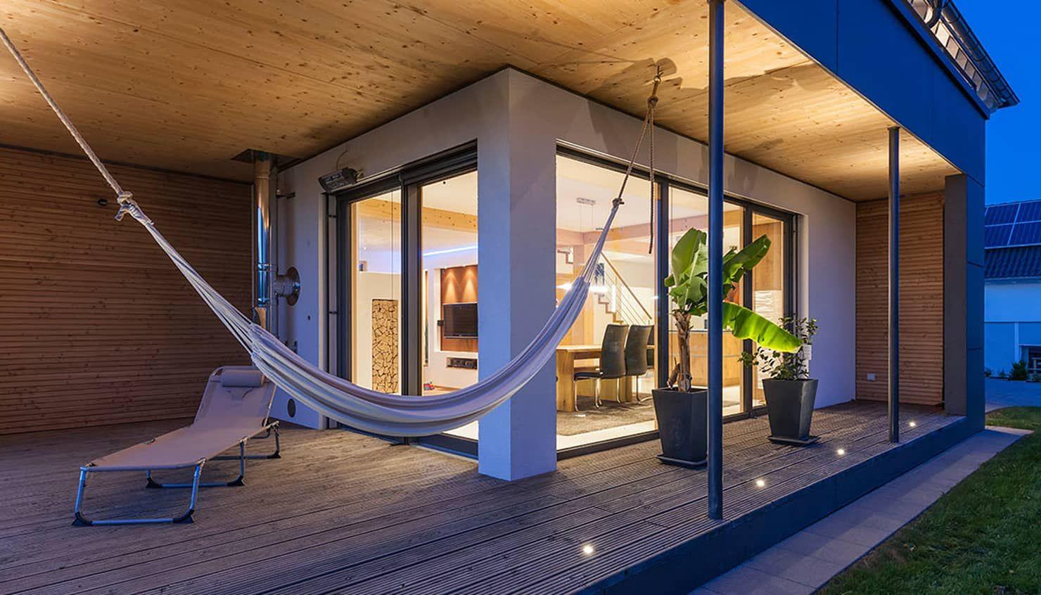 Lieblingsplatz auf der terrasse moderner balkon, veranda & terrasse von kitzlingerhaus gmbh & co. kg modern holzwerkstoff transparent   homify