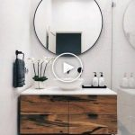 Modernes Badezimmer mit weißen und Holz-Eitelkeit # Idé ... - #Bathroom #bathroomsinks #Ide #Modern