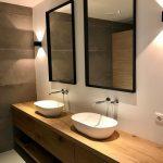 Mooie chique badkamer met een RestyleXL badkamermeubel! #badkamer #badkamermeube...