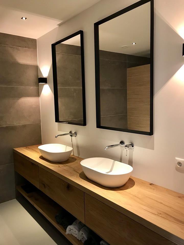 Mooie chique badkamer met een RestyleXL badkamermeubel! #badkamer #badkamermeube…