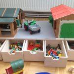 Playmobil-Spieltisch mit Staufächern