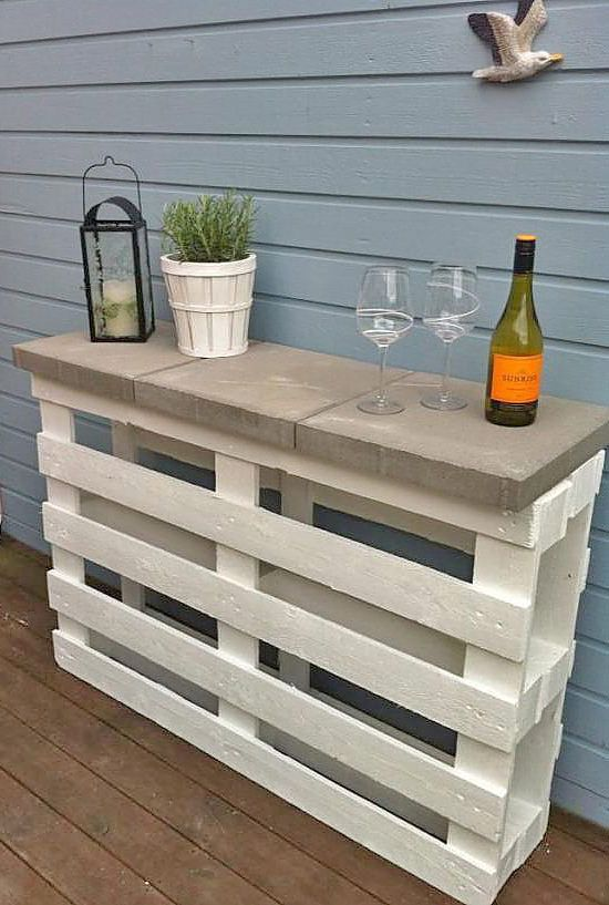 Relax… Have a Cocktail, with These DIY Outdoor Bar Ideas! | The Garden Glove