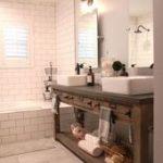 Rustikale Badezimmer-Beleuchtungs-Ideen - Rustikale Badezimmer-Beleuchtungs-Idee...