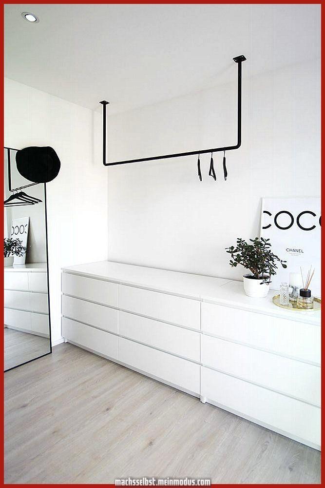 Schöne Offener Kleiderschrank im skandinavischen Stil, schwarz und weiß – #schwarz #schrank #… – bingefashion.com/interior