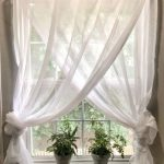 Simple Farmhouse Window Treatments - https://bingefashion.com/home