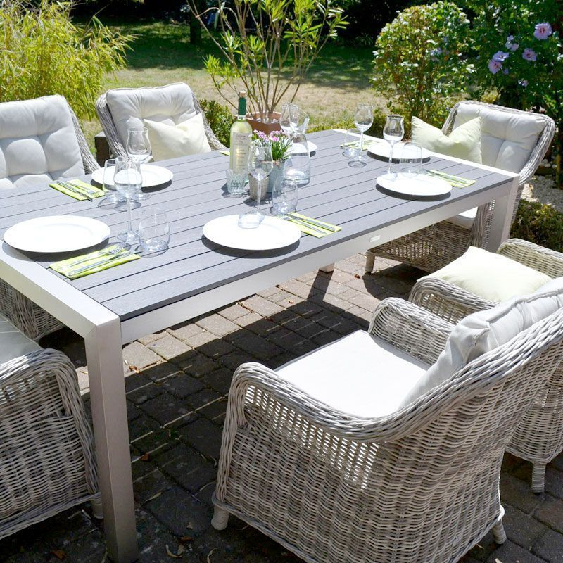 Sitzgruppe Miami #gedecktertisch Sonne, luftige Gartenmöbel, ein gedeckter Tisc…