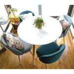 Table à manger ronde et chaises - medodeal.com/meubles