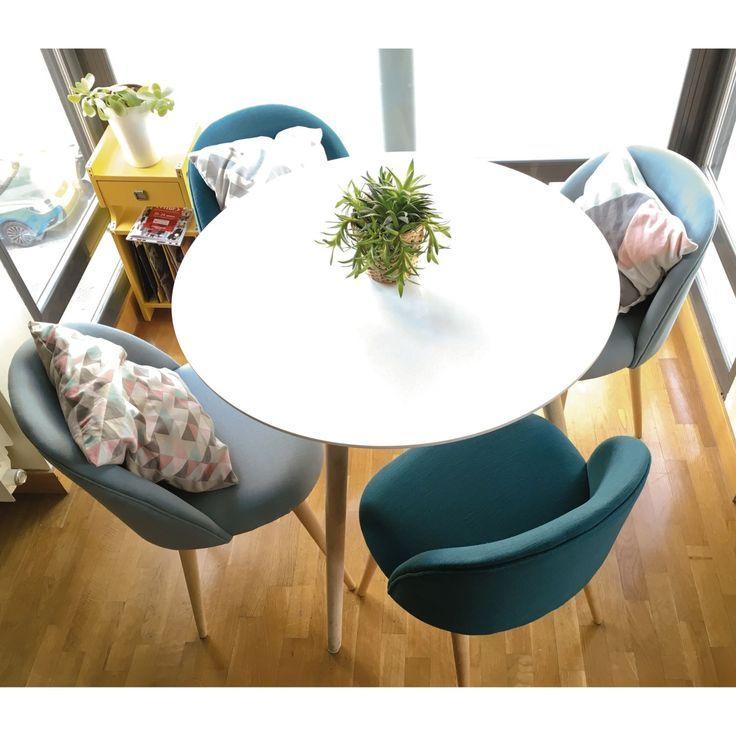 Table à manger ronde et chaises – medodeal.com/meubles