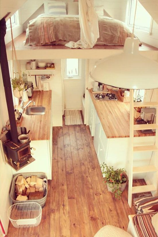There looks to be plenty of room inside, even with a queen bed in the loft and g…
