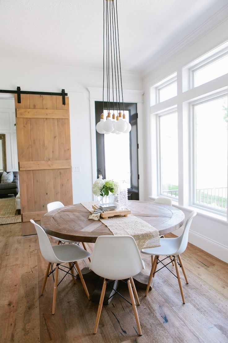 Top 10 Modern Round Dining Tables | Modern Dining Tables