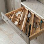 Trouvez le conseil de rangement dans la cuisine qui rangera tous les tiroirs et armoires - worldefashion.com/hem
