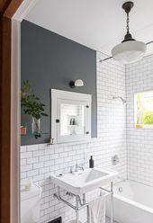 Turn Back the Hands of Time With These Vintage Bathroom Lighting Ideas,  #Bathroom #diybathro…